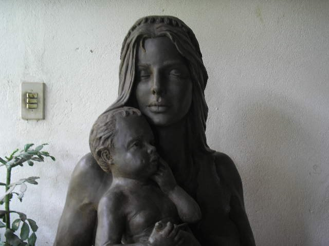 Escultura mãe